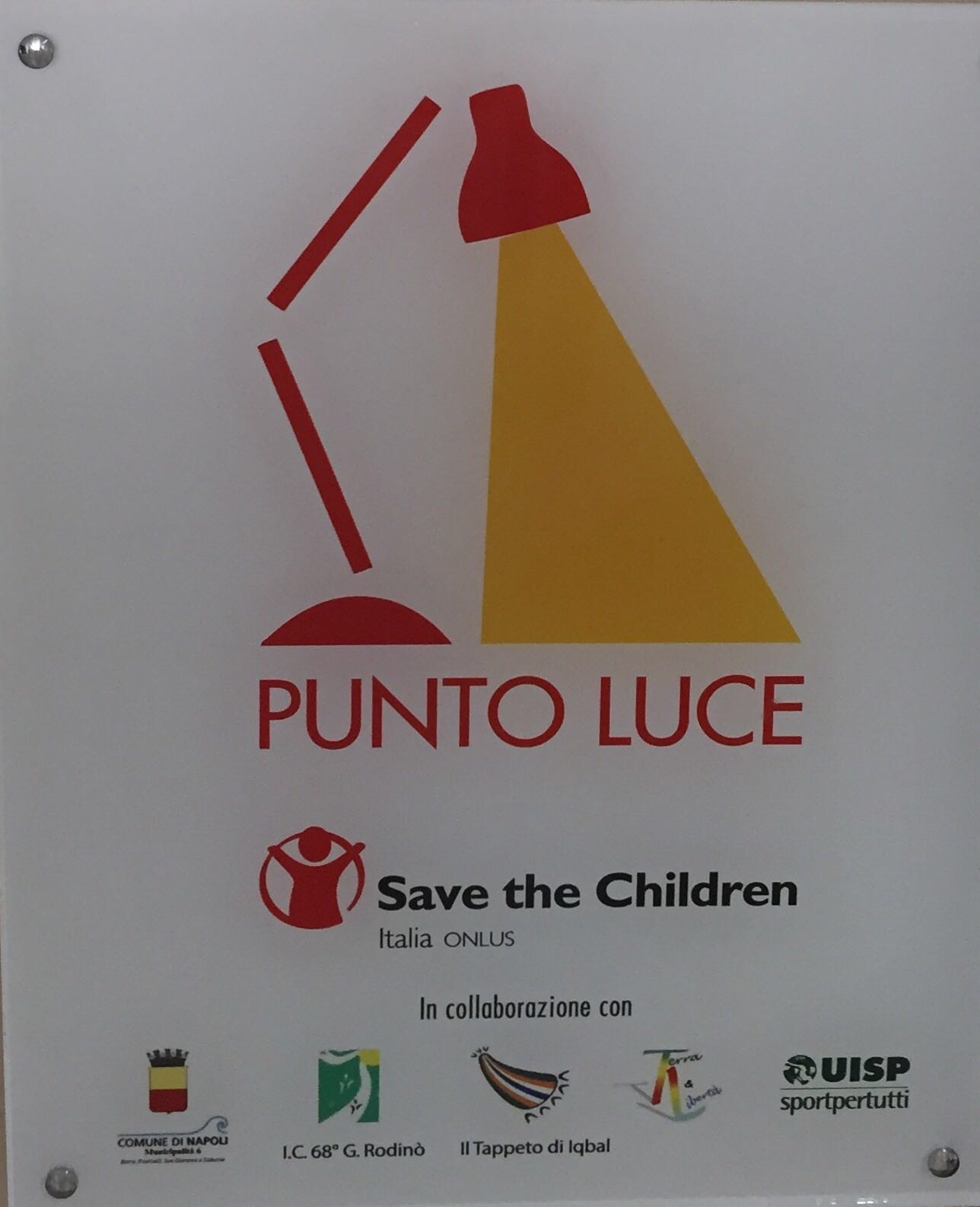 Punto Luce con Save the Children